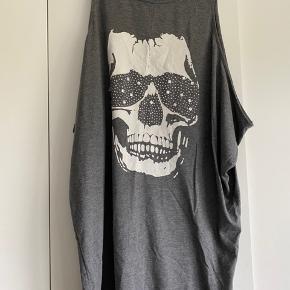 """Oversize"" kjole med sejt print."