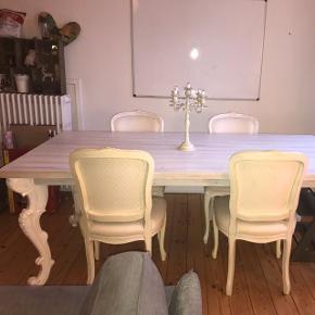 4 lecce stole og bord fra ILVA sælges desværre grundet flytning.