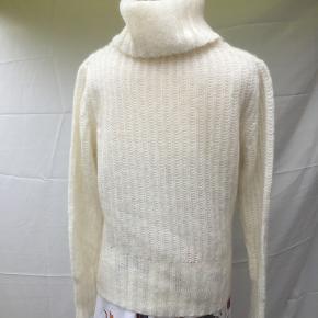 Visual sweater