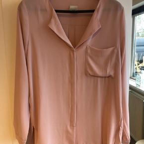 Fedeste lette skjorte fra selected femme.