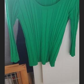 Blød lækker bluse, brugt en gang str large.