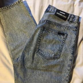 Dr. Denim Nora jeans i lys acid wash Str. 32/30  Brugt, men det kan man ikke se på dem
