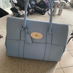 BYD BYD BYD  , har stadig pose til tasken.   Købt i mulberry i kbh.  Overvejer at sælge hvis rette bud kommer. 💕