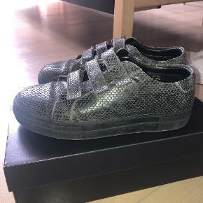 J. Lindeberg sneakers