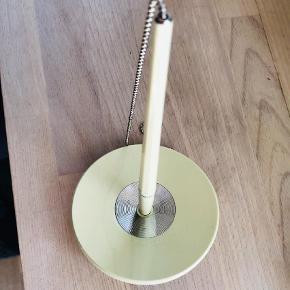 Varetype: Andet Størrelse: ?? Farve: Lys Grøn  Fin kuglepen i kæde fra HAY Ny