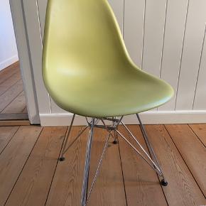 Eames stol. Original. Lime/olivengrøn. Åben for bud.