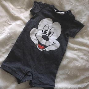 K/benet Natdragt fra Disney / H&M i str 62. Kan bruges til både pige og dreng 💓