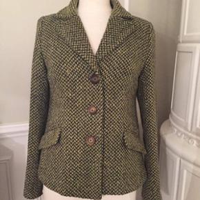 Grøn tweed jakke fra H&M. 🍀 Str. 42