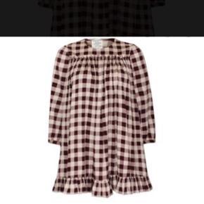 Sælger min silke Baum kjole i str 38 med underkjole INKS OVER MOBILRPAY 900