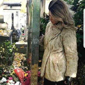 solgt Populær zara faux fur jakke fra sidste vinter - utrolig lækker med lidt oversize effekt - pelsen ser ret ægte ud. Ingen brugstegn