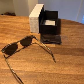 De velkendte solbriller fra Han Kjobenhavn.  Rabat gives, hvis man køber flere af mine varer, da jeg flytter til udlandet.