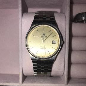 Lækkert ur fra mærket Tissot - Retro da det er en ældre model af det populære Seastar  Uret virker - Batteriet skal skiftes