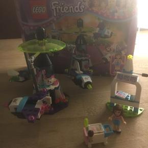 Lego friends: forlystelsespark(41133) og karrusel(41128) Enten samlet til 370 eller hver for sig til henholdsvis 250 og 120   Køber betaler selv fragt hvis det skal sendes