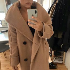 Selected femme frakke  Nypris 1300 60 % uld