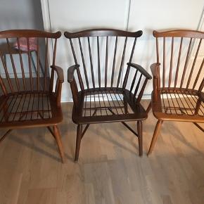 3 super fine lænestole/tremmestole designet af Børge Mogensen for farstrup. Model 180. Fremstår i rigtig fin stand alle 3. Der medfølger hynder og ryg hynder til alle 3, dog tænker jeg man skal bruge dem som skabelon til syning af nogen nye.