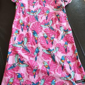 Kjole fra Viller Valla i fin standSender gerne ved køb for mere end 150 kr.
