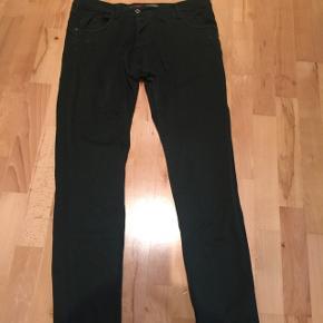 Flotte grønne Please jeans str. L ikke brugt meget.