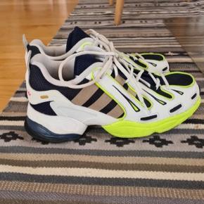 Adidas gazelle EQT sneakers. Købt for store!  Str. 40 og helt størrelsessvarende. Kan hentes i Viborg eller sendes.
