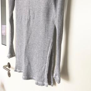 Fin top fra Zara. Brugt 2 gange ✨ skriv hvis du har brug for flere billeder
