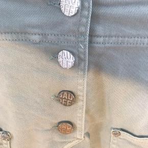 Baum und pferdgarten denim nederdel med sølvknapper (disse har emblem)