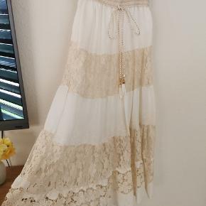 Smuk boheme nederdel fra Buch i str. One size. Aldrig brugt, kun prøvet på.  Sendes på købers regning