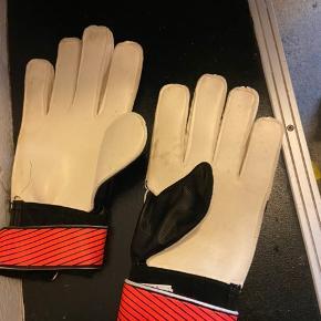 Fodbold handsker tag dem for 50kr