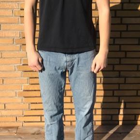 Model: 185 cm slank kropsbygning