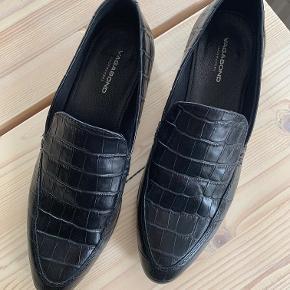 Super fine sko eller flats fra Vagabond. Skoene er kun brugt et par gange.  Sælges da jeg desværre ikke får dem brugt.