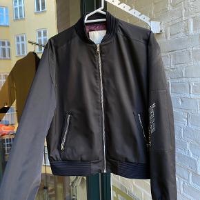Choris Noima jakke