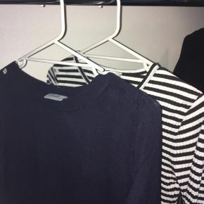 Blandede bluser/sweatre i forskellige størrelser. Spørg for pris eller BYD! 🌞   1) m  2) m/l  3) s 4) Xs 5) Xs  6) Xs