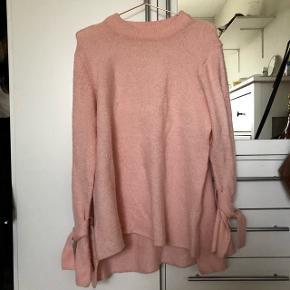 Sweater fra nelly kun brugt et par gange😊