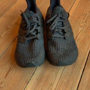 Super fede Adidas UltraBoost Triple Black size 44 I god stand