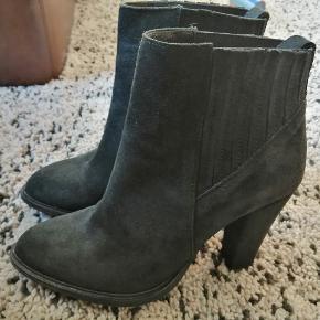 Shoeshibar støvler