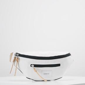 Superlækker bumbag/bæltetaske fra Sandqvist, købt her til sommer, brugt få gange, som ny.