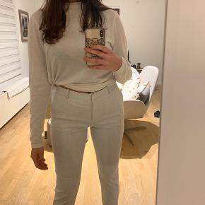 Sælger disse super fine business bukser!  Bytter ikke, men kom gerne med et bud :)