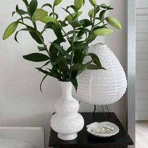 Margit Brandt vase - i fin stand men har for mange vaser - skal afhentes på Vesterbro