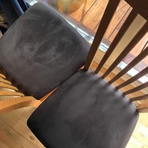 6 flotte spisebordstole i træ, med gråt stof sæde til salg, BYD endelig!