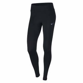 Super lækre tights fra Nike. De har kun været prøvet på, så derfor aldrig været i brug.  Skal bare af med dem, da de ikke bliver brugt!😊