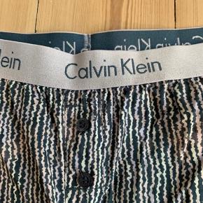 Calvin Klein sleepwear - har aldrig været brugt men blot ligget bagerst i skabet. De fejler intet! Mega lækre🌟