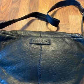 Helt ny taske - aldrig brugt. Ny pris 899,00