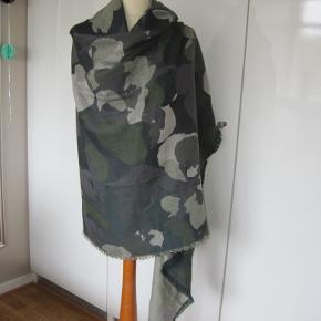 CLOSED Tørklæde