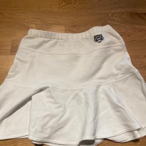 Rigtig fin nederdel fra Kenzo Aldrig brugt