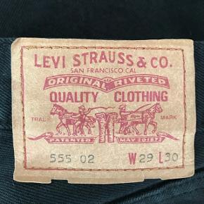 DET ER BILLIGT  Vintage Levi's W29L30 Regular fit Livvidde ca. 74cm Skridtlængde 71-72cm 100% bomuld  Made in UK - Se kommentar Perfekt stand Har flere modeller Mængde rabat