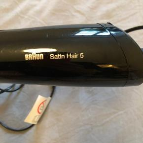 Barely used Braun Satin Hair 5 hairdryer (blow dry with steam function).