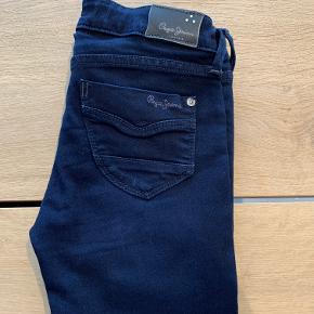 Lækre mørkeblå jeans, model Pixlette str. 10