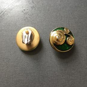 Vintage øreclips / øreringe. I plastik. Diameter: 2,5 cm