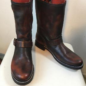 Frye støvler