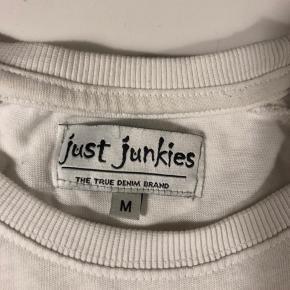 //SÆLGES FOR MIN BROR// Super fin bluse fra just junkies i str M. Ingen tegn på slid.