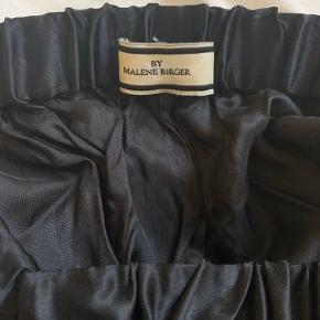 Fineste nederdel fra BY MALENE BIRGER🍓🍓 den kan også bruges som kjole