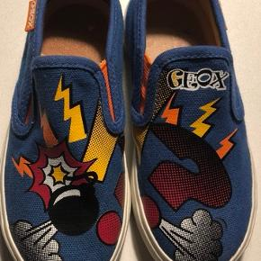 2 nye par sko  1 par 50kr  Geox og VRS